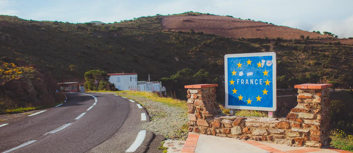 Peut-on rouler en dehors de la France avec certificat d'immatriculation provisoire ?